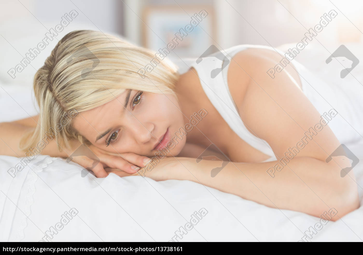 thoughtful, relaxed, woman, lying, in, bed - 13738161