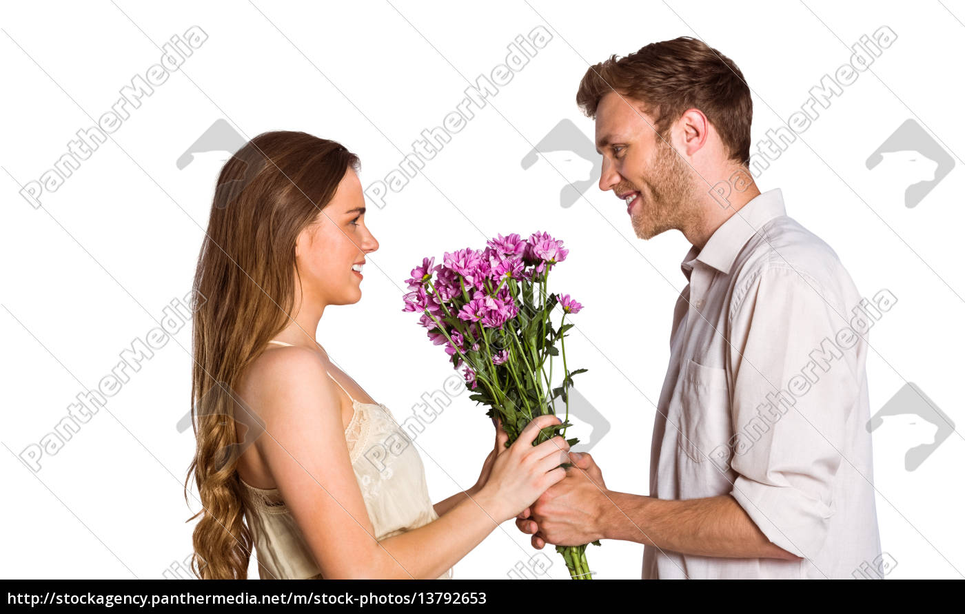 side, view, of, couple, holding, flowers - 13792653