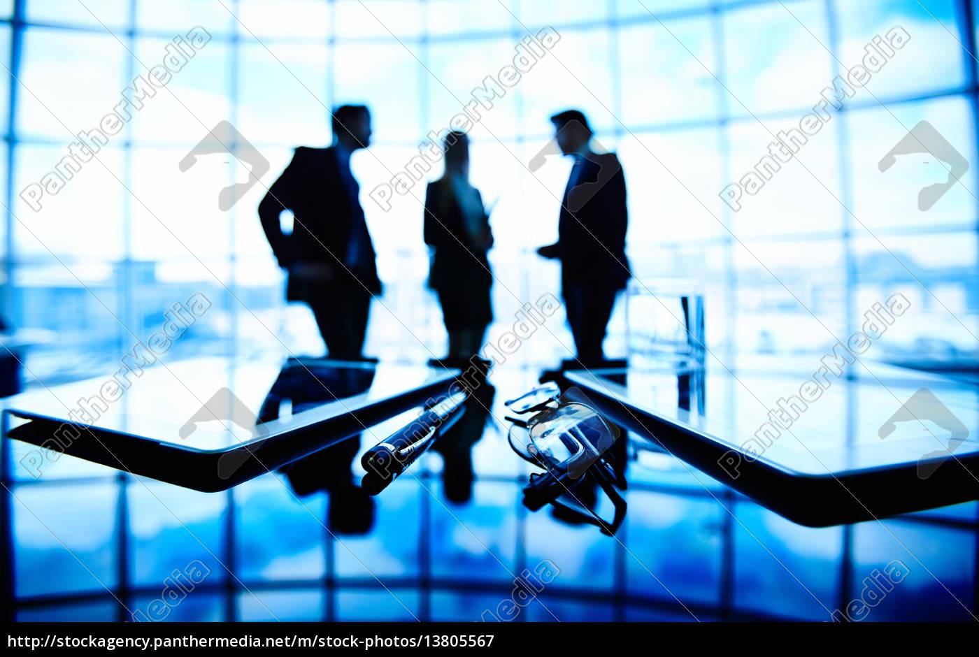 meeting, in, the, dark - 13805567