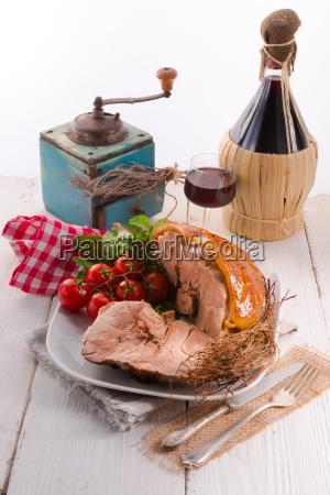 crust roast with salad