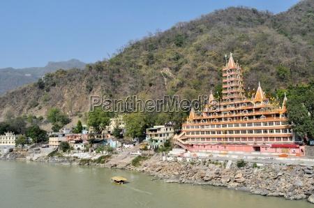 tera manzil shiva temple in rishikesh