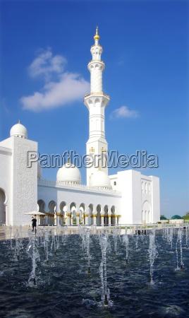 sheikh zahid mosque in abu dhabi
