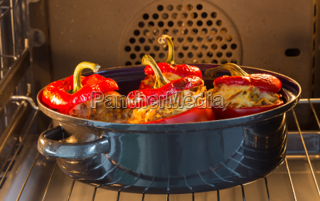 baked stuffed peppers with meat sauce