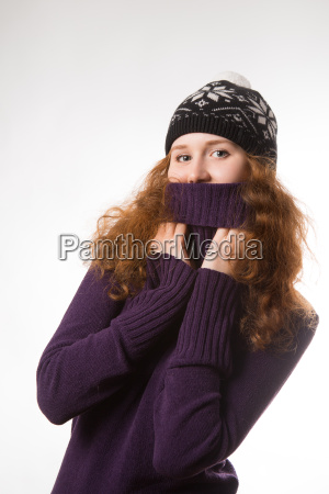 beautiful woman dressed in winter clothes