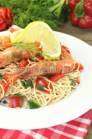 prawns with mie noodles with dill