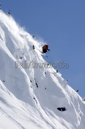 hombre heli esqui en terracebccanada