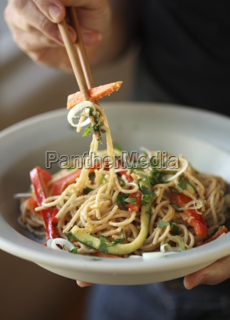 pasta with fresh vegetables