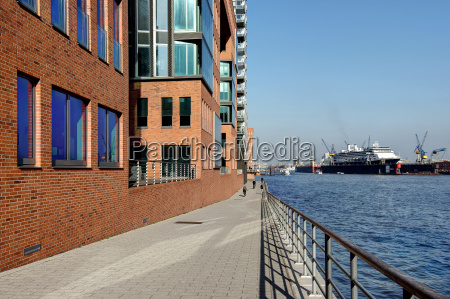 port of hamburg in clear weather