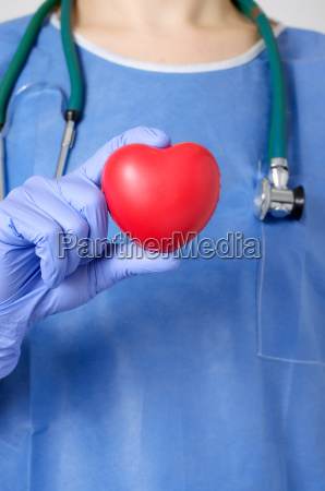 heart in surgeons hand