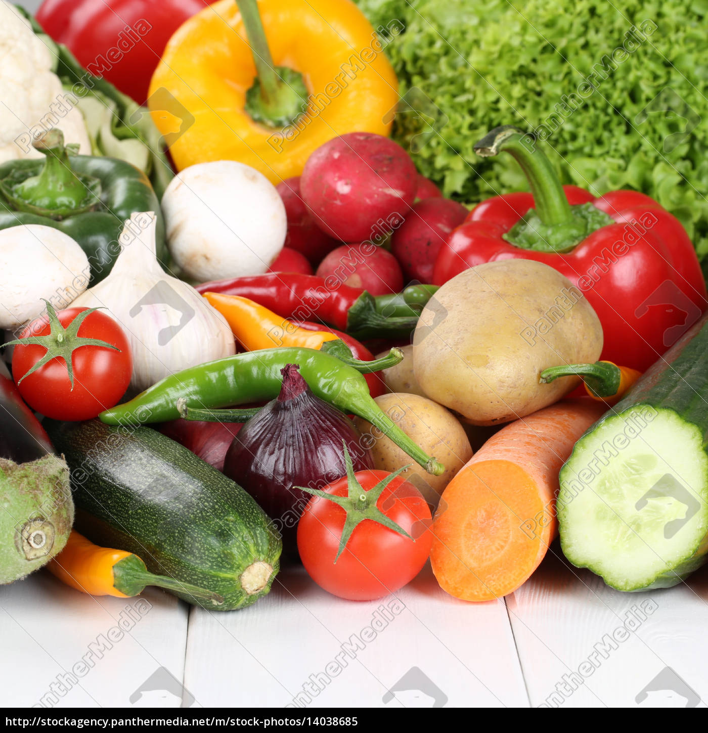vegetables, such, as, tomatoes, peppers, lettuce, mushrooms, and, carrots - 14038685