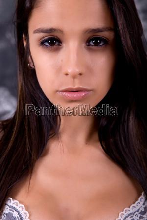 brunette - 14042977