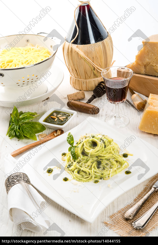 pasta, with, pesto, alla, genovese - 14044155