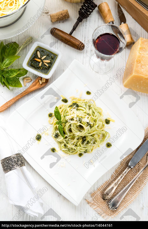 pasta, with, pesto, alla, genovese - 14044161