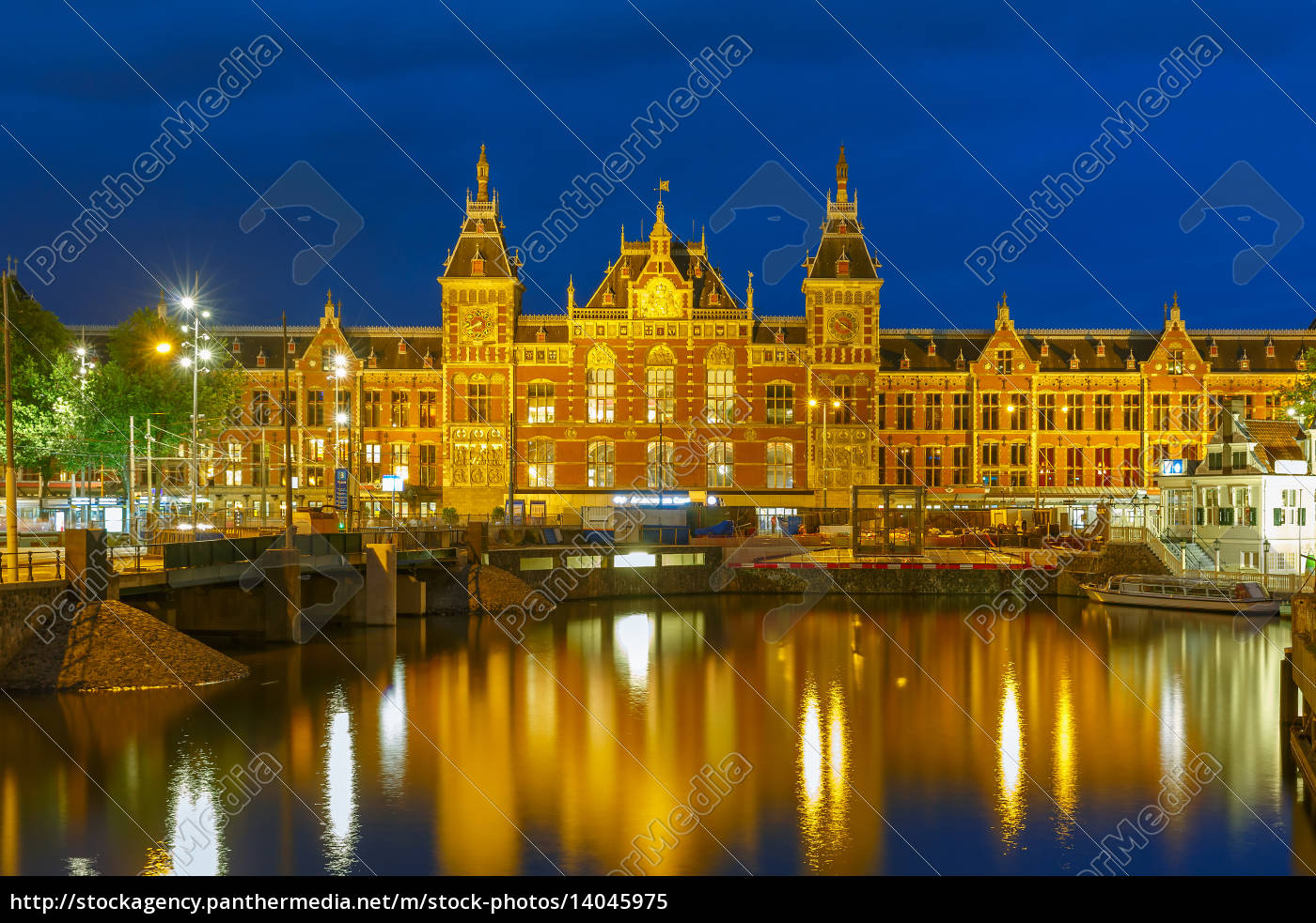 night, amsterdam, canal, and, centraal, station - 14045975
