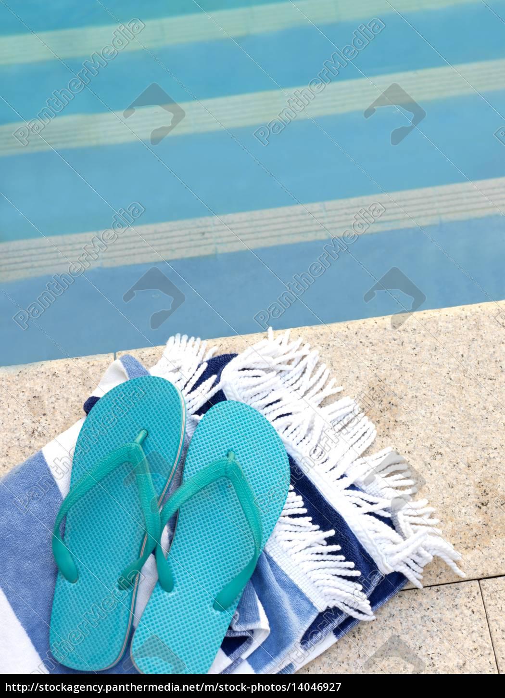 pool, side - 14046927