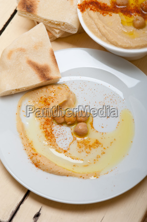 hummus, with, pita, bread - 14049227