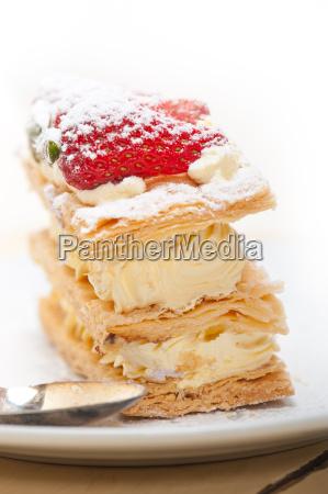 napoleon, strawberry, cake, dessert - 14049267