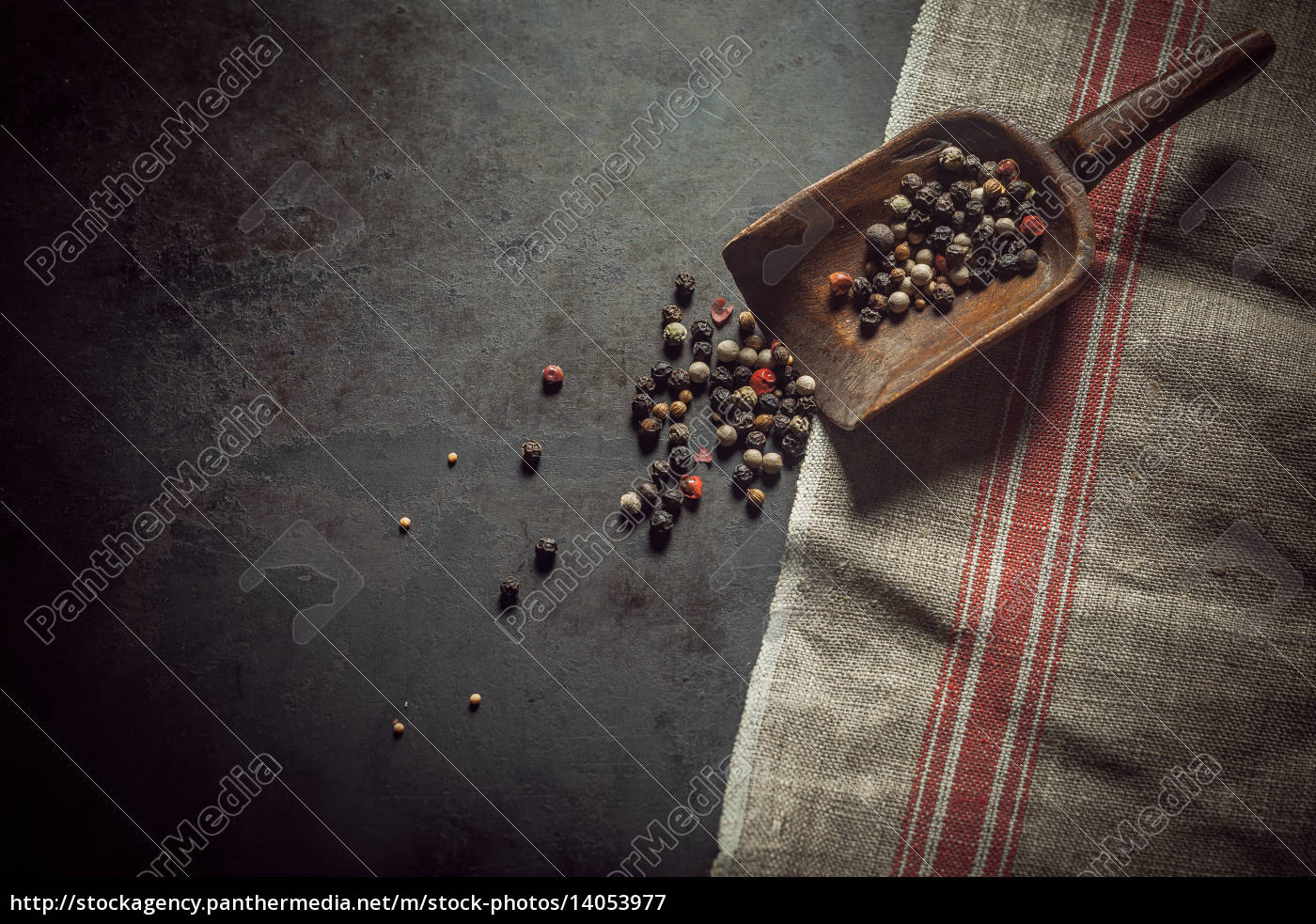 dried, assorted, peppercorns, in, a, wooden - 14053977