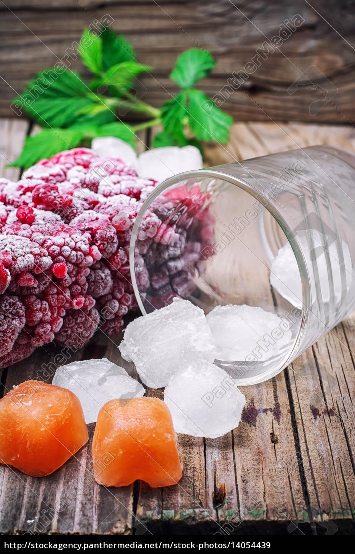 frozen, ripe, raspberry - 14054439