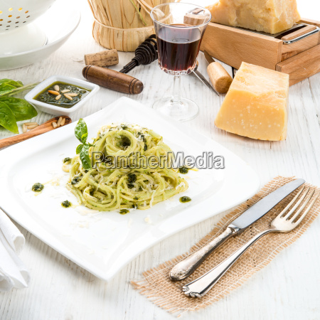 pasta, with, pesto, alla, genovese - 14055513