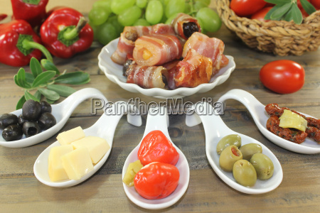 stuffed tapas with bacon