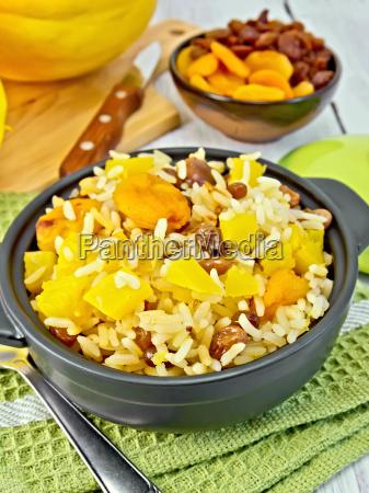 pilaf, fruit, with, pumpkin, in, pan - 14058917