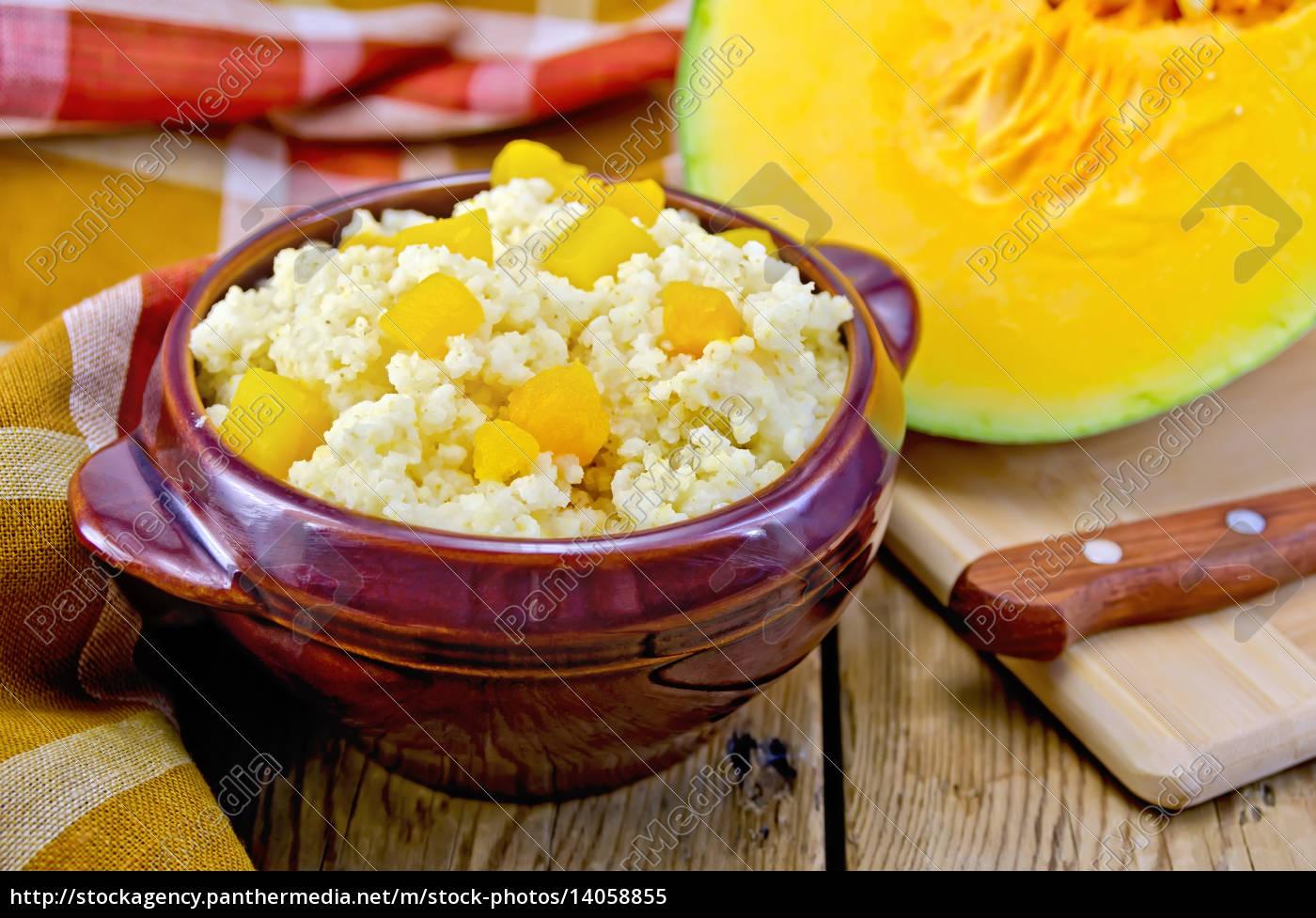 porridge, millet, with, pumpkin, and, knife - 14058855