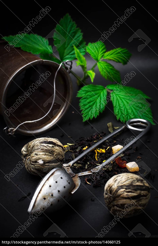 spilled, tea - 14060125