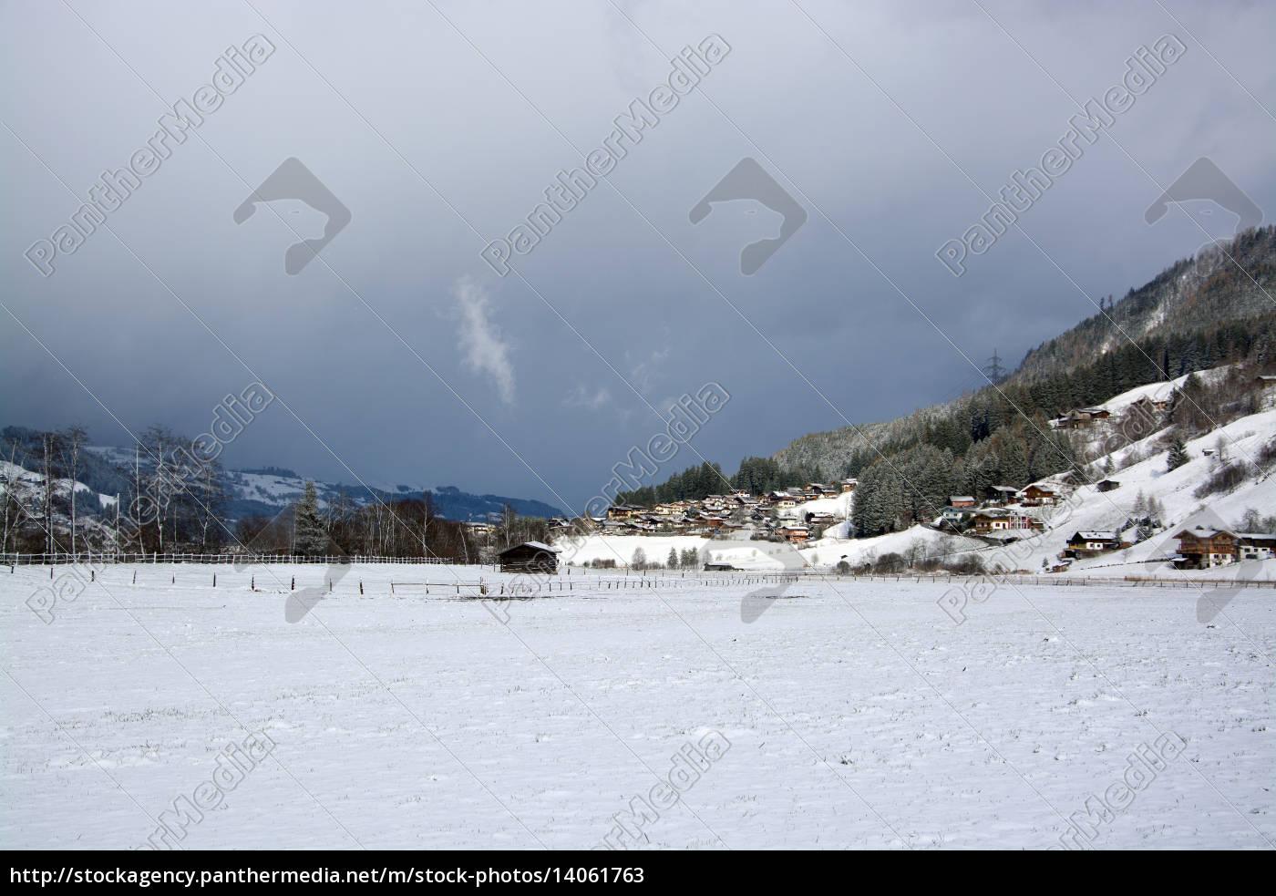 bramberg, pinzgau, austria - 14061763