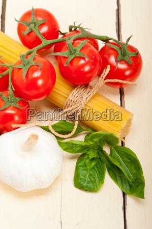 italian, basic, pasta, ingredients - 14061569