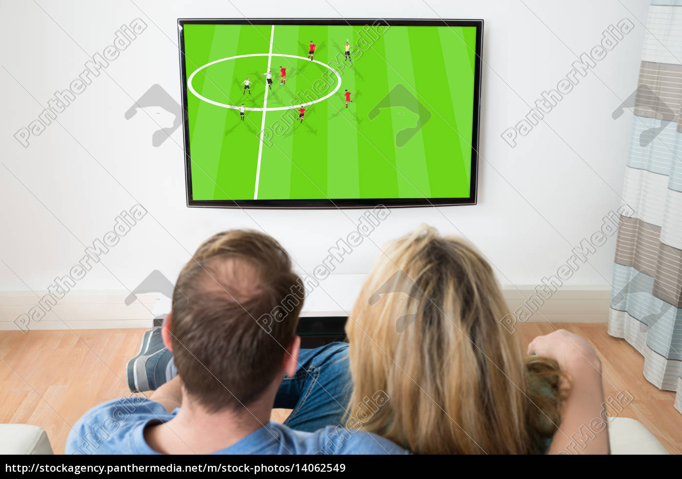couple, watching, television - 14062549
