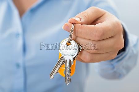 businessperson, hand, holding, key - 14063617