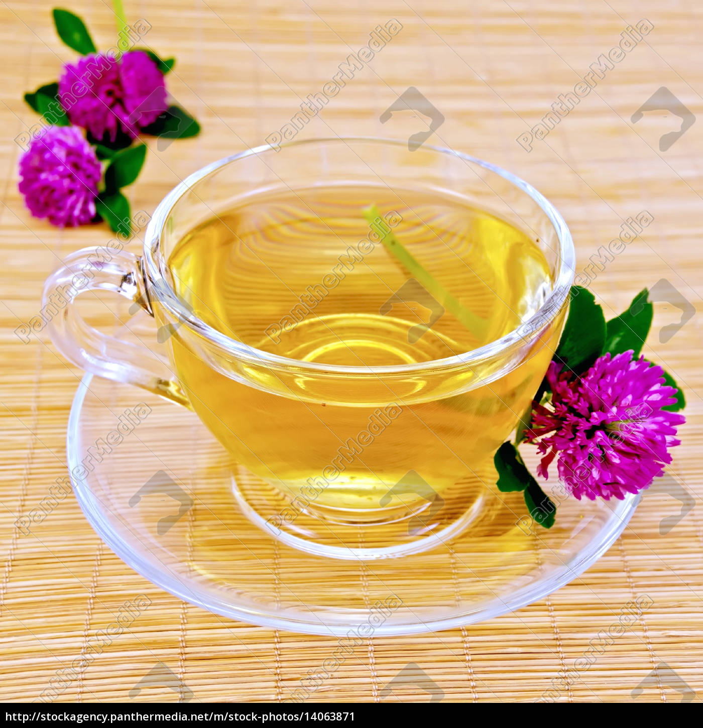 herbal, tea, with, clover, on, bamboo - 14063871
