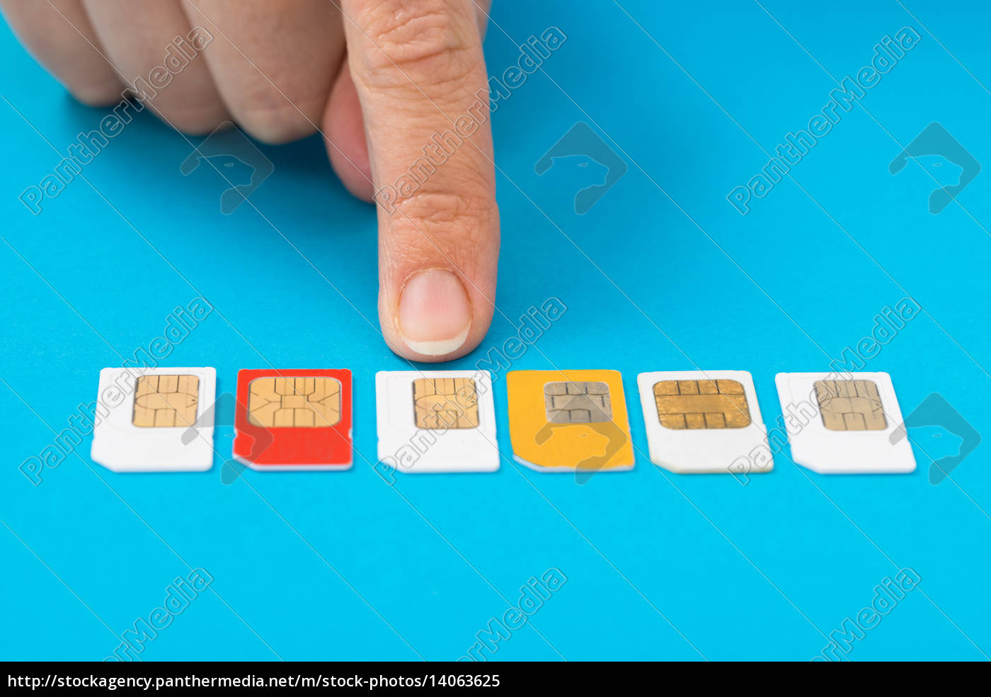 person, hand, selecting, sim, card - 14063625