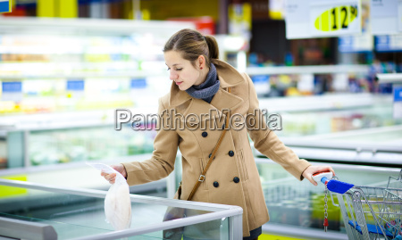 beautiful, young, woman, shopping, for, fruits - 14064665