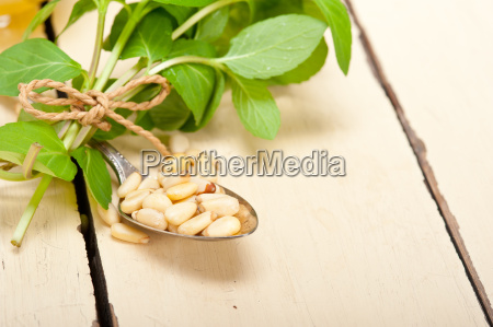 arab, traditional, mint, and, pine, nuts - 14067235