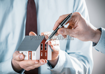 client, discussing, a, house, design, with - 14068091