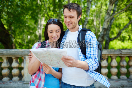 couple, with, map - 14068549