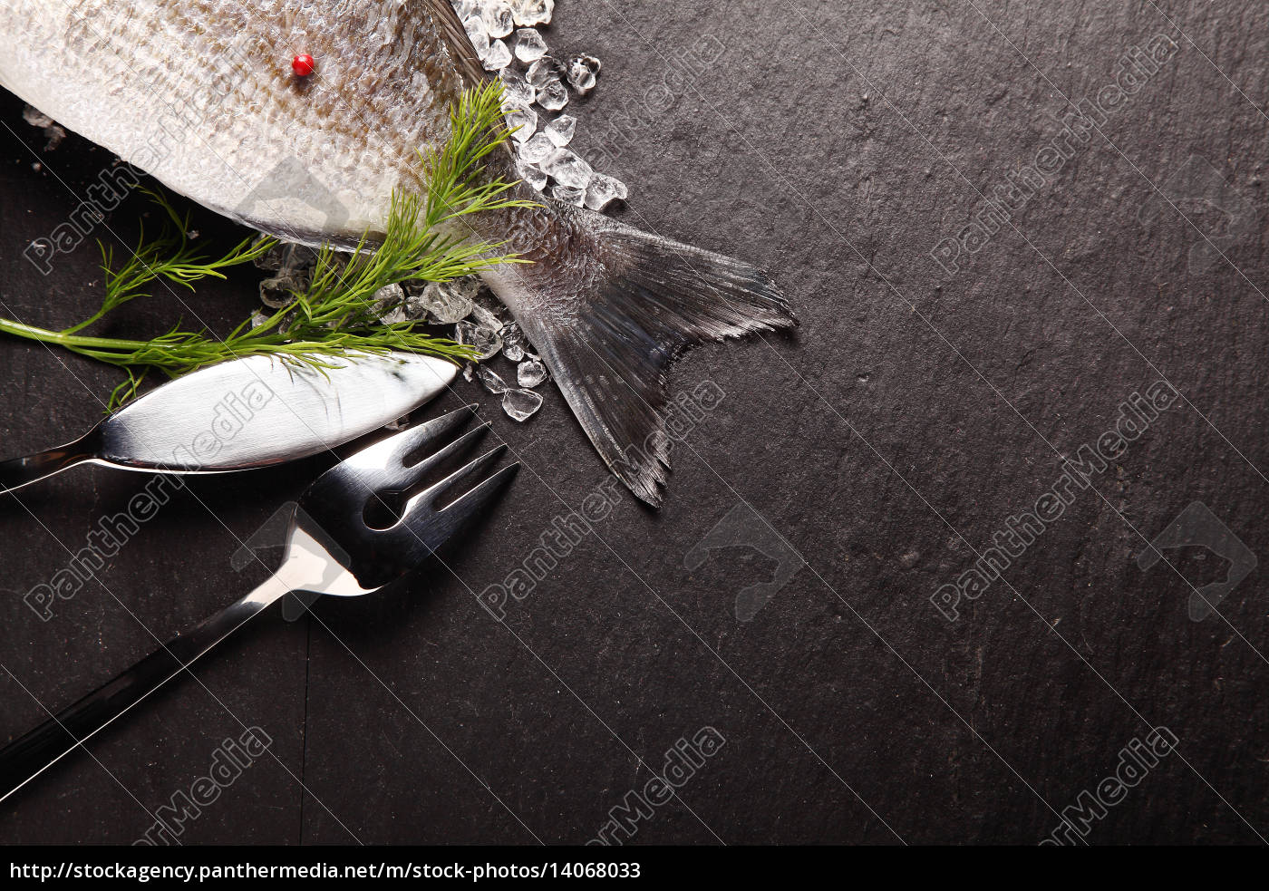fresh, fish, on, ice, with, cutlery - 14068033