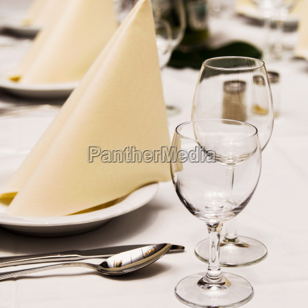 table, setting - 14069141