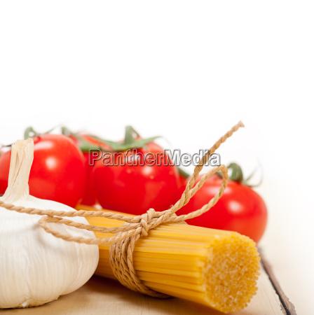 italian, basic, pasta, ingredients - 14070299