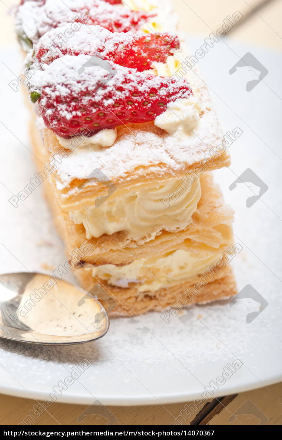 napoleon, strawberry, cake, dessert - 14070367