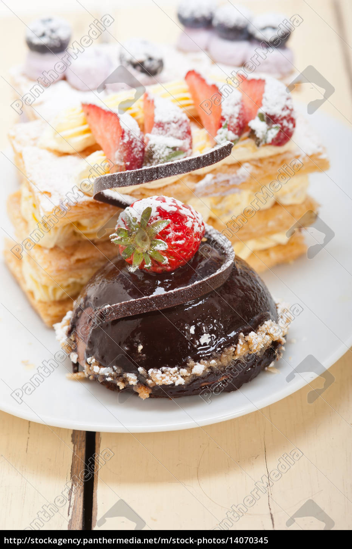 selection, of, fresh, cream, cake, dessert - 14070345