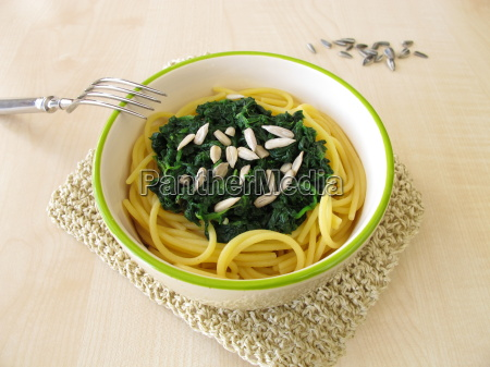 gluten-free, spaghetti, with, spinach - 14071739