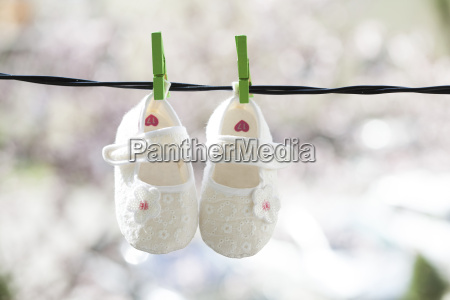 baby, clothes, hanging, on, the, clothesline - 14072585