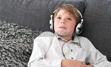 boy, with, headphones - 14073525