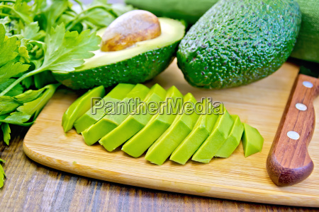 avocado, slices, on, board - 14074893