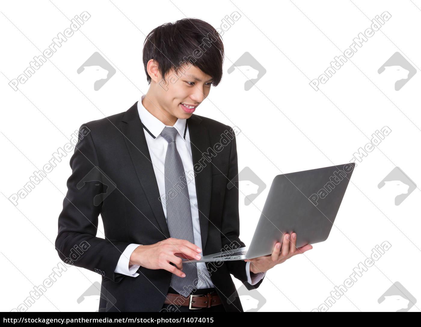 businessman, use, of, laptop - 14074015