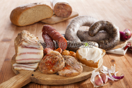 food, aliment, bread, spice, brown, brownish - 14076579