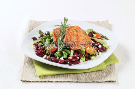 marinated, pork, and, red, bean, salad - 14079391